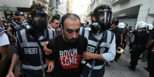 178003_Turkish_Police_Fight_Anti-Government_Protestors_In_Istanbul 2