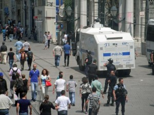 The police attack vehicle that chased tourists in Taksim and shot pepper spray