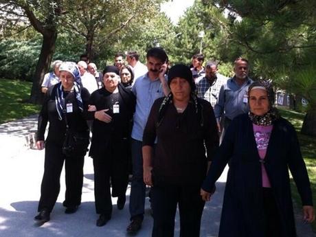 Fotoğraf, Ethem Sarısülük'ün abisi Mustafa Sarısülük'ün twitter hesabından alınmıştır
