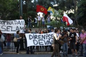 Atina'da Taksim Gezi Parký ve canlý bomba Bulut Yayla'ya destek gösterisi