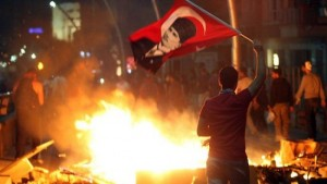 560853-turkey-protests-e1371653384816